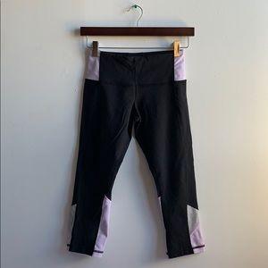 Lululemon Capri Pants Sz 4 Black and Light Purple